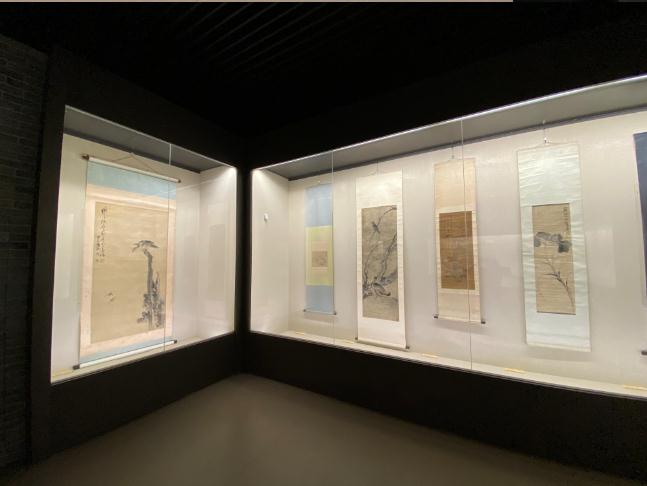 临沂市博物馆旧藏黄慎《鹰雀图》