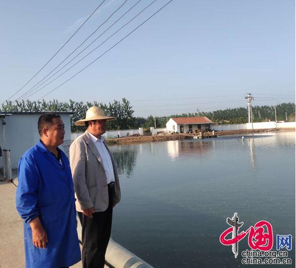 江苏新沂市窑湾镇组织人大代表帮助群众破颈解难