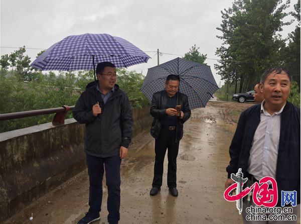 江苏新沂市窑湾镇党建+人大筑牢防汛抗洪铜墙铁壁