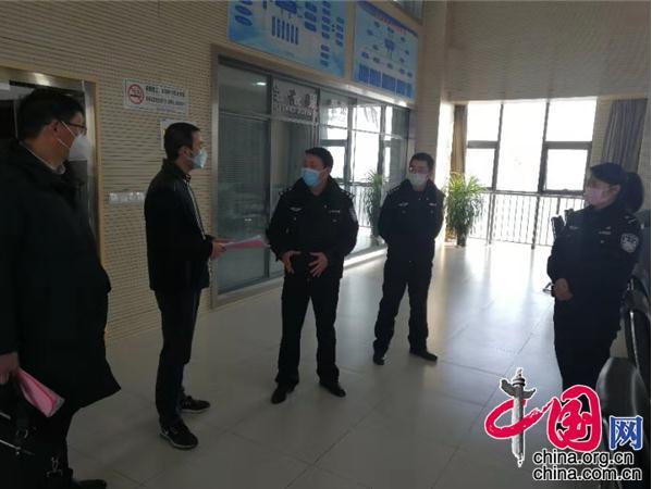 江苏灌云县党员干部奋战在疫情第一线