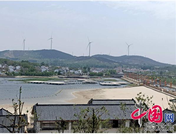 """江苏徐州市铜山区""""电""""亮湖畔网红村"""